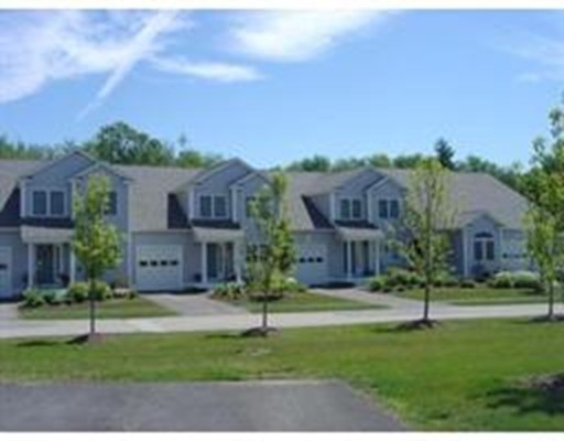 Condominio por un Venta en 877 AUBURNVILLE WAY 877 AUBURNVILLE WAY Whitman, Massachusetts 02382 Estados Unidos