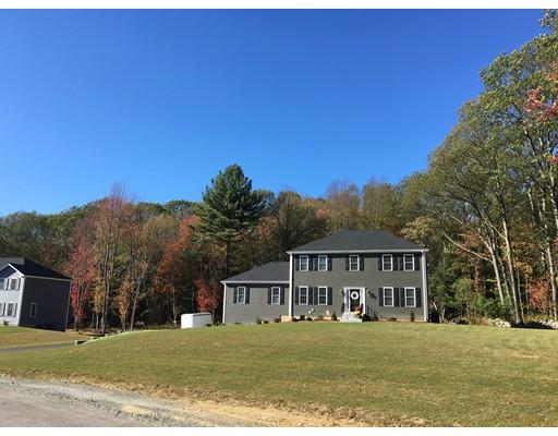 Casa Unifamiliar por un Venta en 9 Pond Street 9 Pond Street Mendon, Massachusetts 01756 Estados Unidos