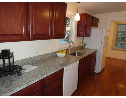 独户住宅 为 出租 在 7 Park Street 梅尔罗斯, 马萨诸塞州 02176 美国