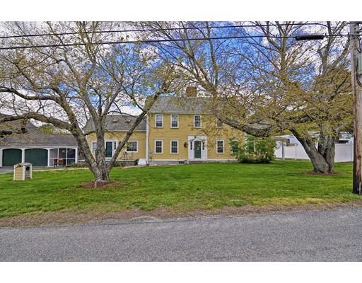 Частный односемейный дом для того Продажа на 736 Ledge Road 736 Ledge Road Seekonk, Массачусетс 02771 Соединенные Штаты