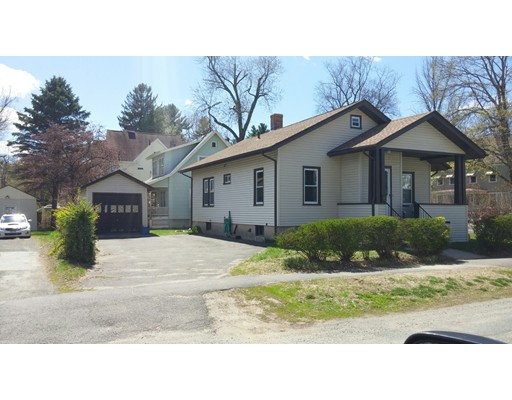 Casa Unifamiliar por un Alquiler en 50 W School Westfield, Massachusetts 01085 Estados Unidos