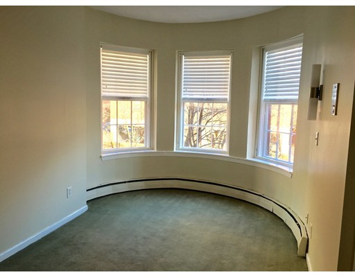 Casa Unifamiliar por un Alquiler en 86 Saint Botolph Street Boston, Massachusetts 02116 Estados Unidos