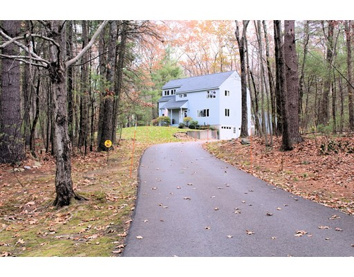 Частный односемейный дом для того Продажа на 178 Virginia Farme 178 Virginia Farme Carlisle, Массачусетс 01741 Соединенные Штаты