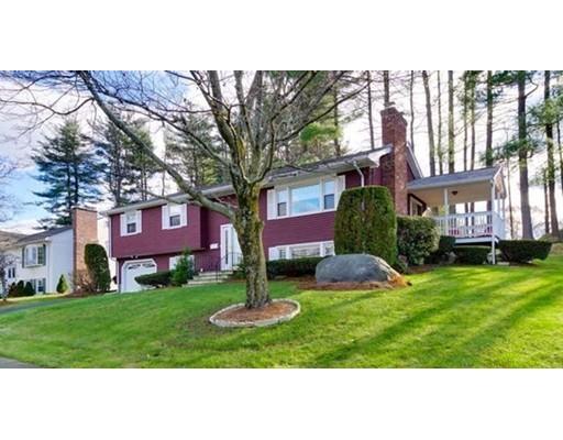 Maison unifamiliale pour l Vente à 18 Woodleigh Road 18 Woodleigh Road Framingham, Massachusetts 01701 États-Unis