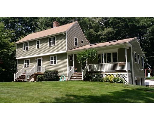 Maison unifamiliale pour l Vente à 48 Daniel Shays Hwy 48 Daniel Shays Hwy Pelham, Massachusetts 01002 États-Unis