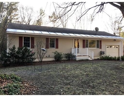 Casa Unifamiliar por un Venta en 171 Old Dover Road 171 Old Dover Road Rochester, Nueva Hampshire 03867 Estados Unidos