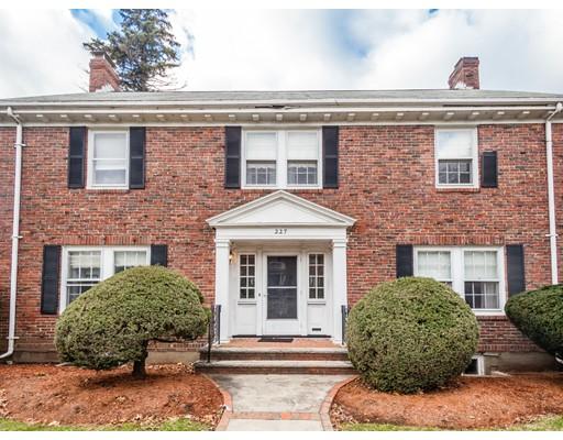 Casa Unifamiliar por un Venta en 227 Common Street 227 Common Street Belmont, Massachusetts 02478 Estados Unidos