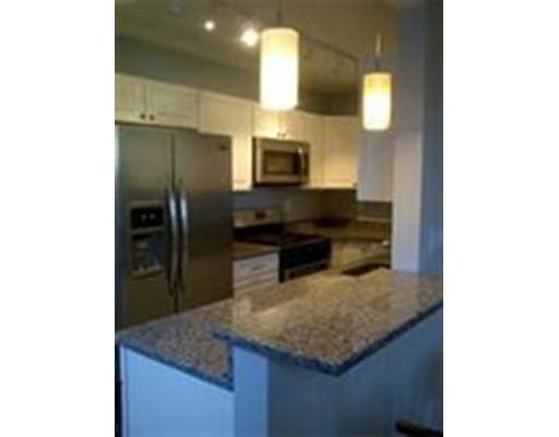 共管式独立产权公寓 为 出租 在 8 Walnut St #7 8 Walnut St #7 Everett, 马萨诸塞州 02149 美国