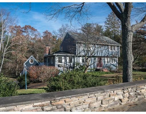 独户住宅 为 销售 在 21 Tower Hill Road 21 Tower Hill Road North Reading, 马萨诸塞州 01864 美国