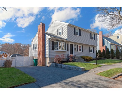 Casa Unifamiliar por un Venta en 272 Den Quarry Road Lynn, Massachusetts 01904 Estados Unidos