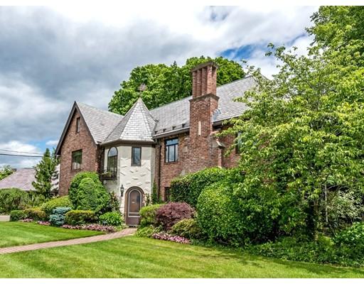 独户住宅 为 销售 在 24 Manor House Road 24 Manor House Road 牛顿, 马萨诸塞州 02459 美国