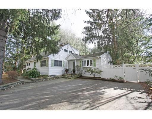 Casa Unifamiliar por un Venta en 336 Concord Road 336 Concord Road Bedford, Massachusetts 01730 Estados Unidos