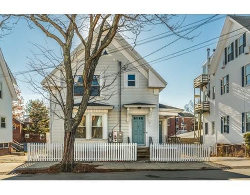 واحد منزل الأسرة للـ Sale في 34 Cleveland Street 34 Cleveland Street Gloucester, Massachusetts 01930 United States