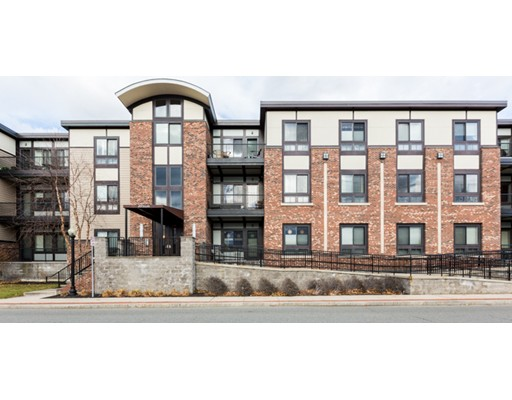 Appartement en copropriété pour l Vente à 20 South Ave #106 20 South Ave #106 Natick, Massachusetts 01760 États-Unis