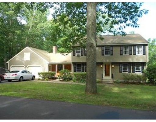 Casa Unifamiliar por un Alquiler en 116 Grove Street 116 Grove Street Bellingham, Massachusetts 02019 Estados Unidos