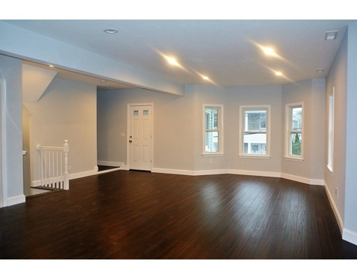 Apartment for Rent at 11 Lexington St #11 11 Lexington St #11 Watertown, Massachusetts 02472 United States