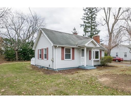 واحد منزل الأسرة للـ Sale في 44 Crest Street 44 Crest Street Ludlow, Massachusetts 01056 United States