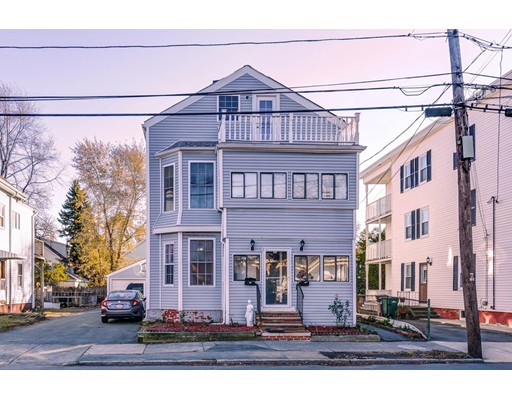 Casa Multifamiliar por un Venta en 326 Euclid Avenue Lynn, Massachusetts 01904 Estados Unidos