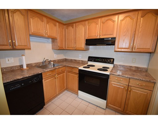 Condominium for Rent at 59 Highland Glen Drive #301 59 Highland Glen Drive #301 Randolph, Massachusetts 02368 United States