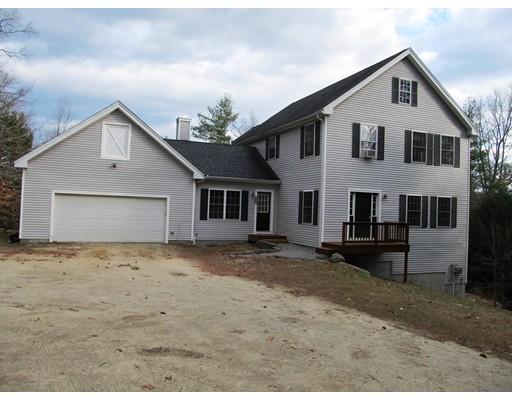 Casa Unifamiliar por un Venta en 627 Gibbons Highway 627 Gibbons Highway Wilton, Nueva Hampshire 03086 Estados Unidos