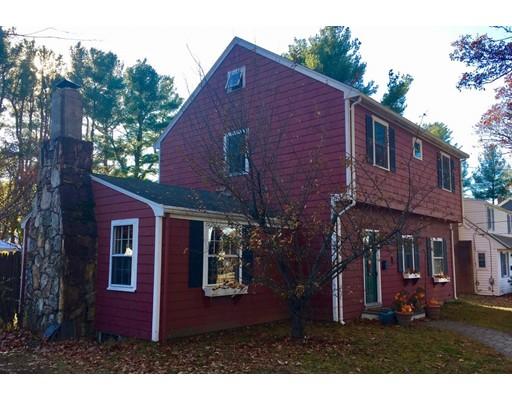 Maison unifamiliale pour l Vente à 32 Bacon Street 32 Bacon Street Natick, Massachusetts 01760 États-Unis