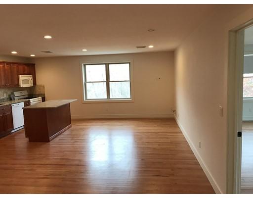 Apartamento por un Alquiler en 6 Sorelle PL #1 6 Sorelle PL #1 Burlington, Massachusetts 01803 Estados Unidos