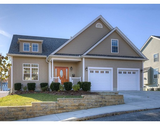 Casa Unifamiliar por un Venta en 172 Walnut Street Ext 172 Walnut Street Ext Revere, Massachusetts 02151 Estados Unidos
