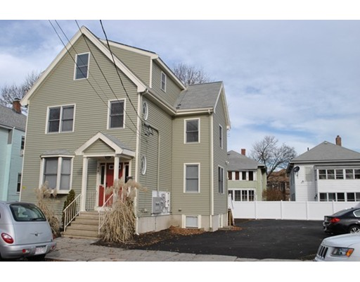 Apartamento por un Alquiler en 75 Summer Street #2 75 Summer Street #2 Medford, Massachusetts 02155 Estados Unidos