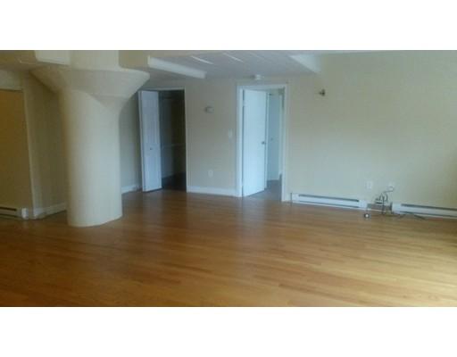 Apartamento por un Alquiler en 26 South Water St #1 26 South Water St #1 New Bedford, Massachusetts 02740 Estados Unidos