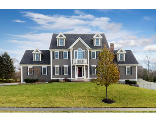 Single Family Home for Sale at 10 Tappan Way 10 Tappan Way Lynnfield, Massachusetts 01940 United States