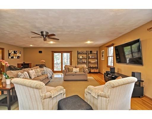 Maison unifamiliale pour l Vente à Stephen Lane Stephen Lane Dedham, Massachusetts 02026 États-Unis