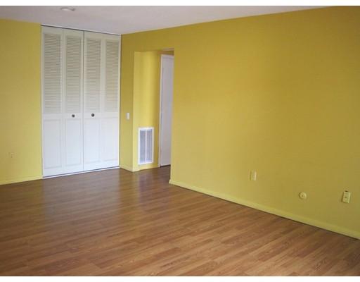 Additional photo for property listing at 66 Shrewsbury  Shrewsbury, Massachusetts 01545 Estados Unidos