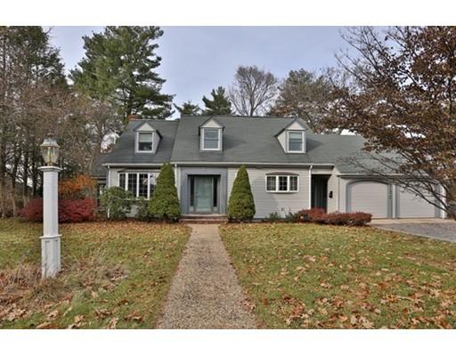 Частный односемейный дом для того Продажа на 16 Lakeview Drive 16 Lakeview Drive Lynnfield, Массачусетс 01940 Соединенные Штаты