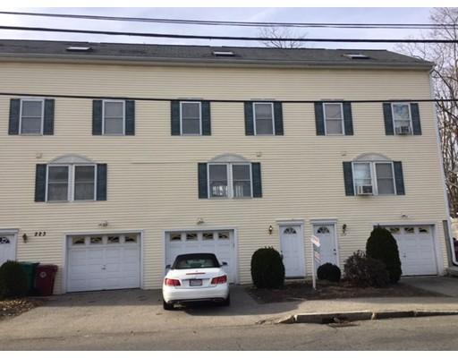 独户住宅 为 出租 在 223 Wilder Street Lowell, 01851 美国