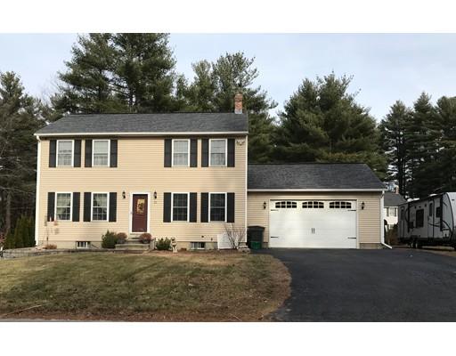 Maison unifamiliale pour l Vente à 70 Snake Pond Road 70 Snake Pond Road Gardner, Massachusetts 01440 États-Unis