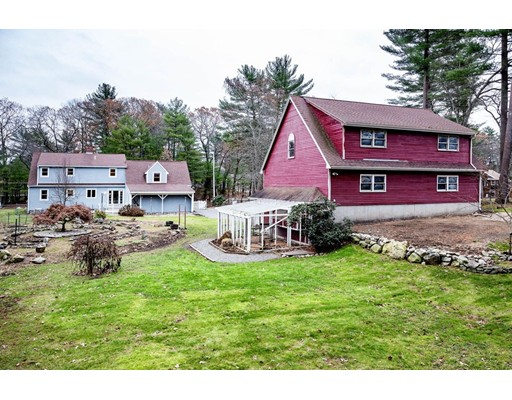 Casa Unifamiliar por un Venta en 68 MILL STREET Middleton, Massachusetts 01949 Estados Unidos