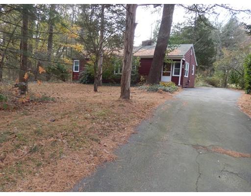 独户住宅 为 销售 在 167 Cocasset Street 167 Cocasset Street Foxboro, 马萨诸塞州 02035 美国