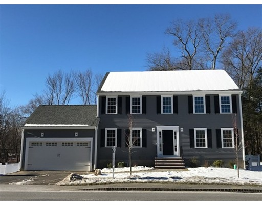 Maison unifamiliale pour l Vente à 96 Speen Street 96 Speen Street Natick, Massachusetts 01760 États-Unis