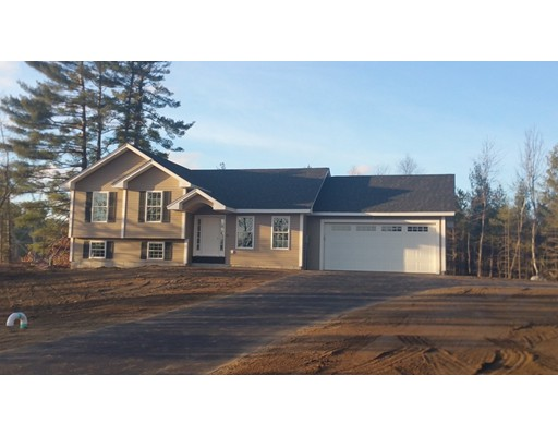 Single Family Home for Sale at 1 Glance Road 1 Glance Road Windham, New Hampshire 03087 United States