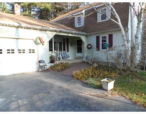 独户住宅 为 销售 在 55 Holly Lane 55 Holly Lane Bridgewater, 马萨诸塞州 02324 美国