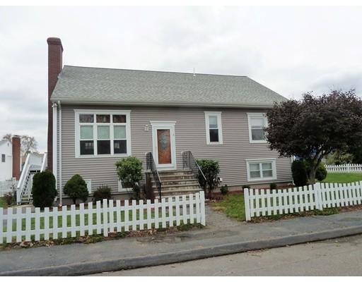 Maison unifamiliale pour l Vente à 1 Thistle Road 1 Thistle Road Saugus, Massachusetts 01906 États-Unis
