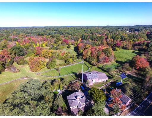 Земля для того Продажа на 236 Dedham Street 236 Dedham Street Dover, Массачусетс 02030 Соединенные Штаты