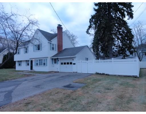 独户住宅 为 销售 在 13 Reo Road 13 Reo Road 梅纳德, 马萨诸塞州 01754 美国