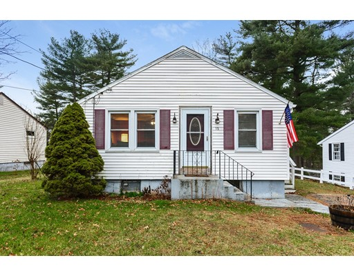 Casa Unifamiliar por un Venta en 15 Indian Run Road 15 Indian Run Road Bellingham, Massachusetts 02019 Estados Unidos