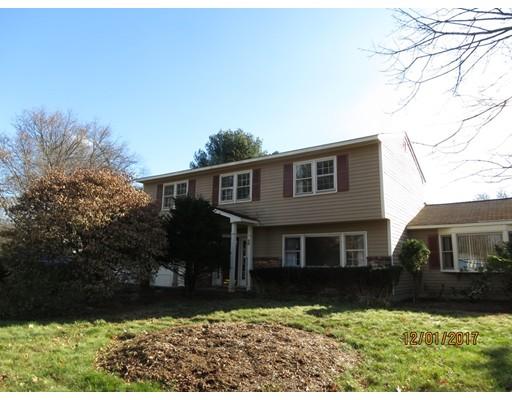 Casa Unifamiliar por un Alquiler en 28 Ruth Ellen Road 28 Ruth Ellen Road Holliston, Massachusetts 01746 Estados Unidos