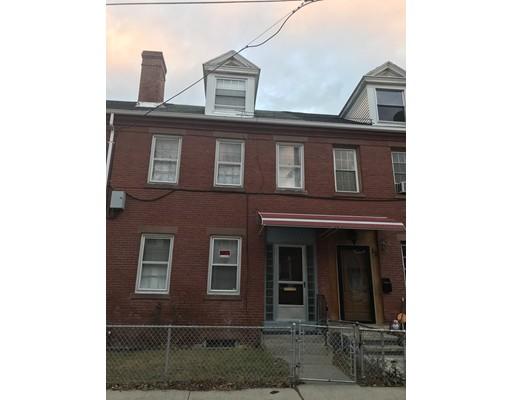 Частный односемейный дом для того Продажа на 10 Center Street 10 Center Street Holyoke, Массачусетс 01040 Соединенные Штаты