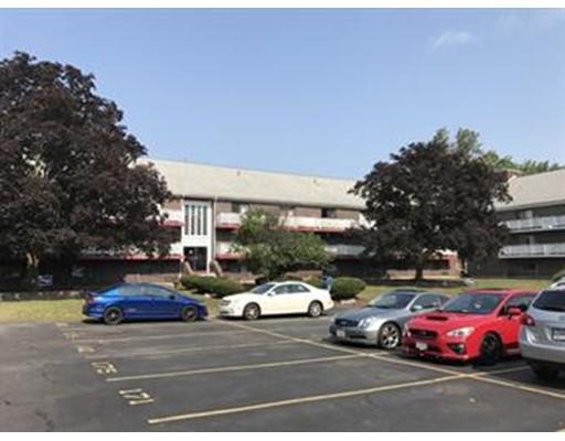 Appartement en copropriété pour l Vente à 126 Beaver Street 126 Beaver Street Framingham, Massachusetts 01702 États-Unis