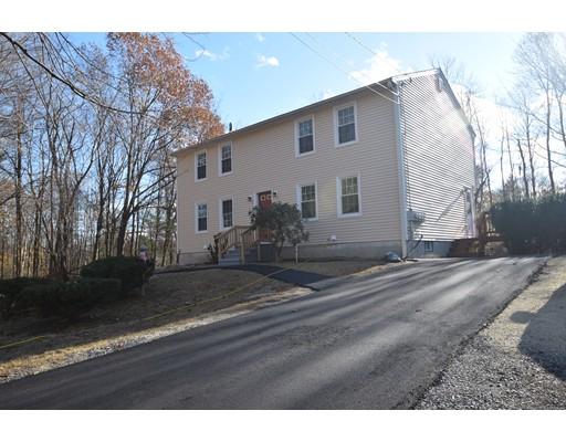 Maison avec plusieurs logements pour l Vente à 4 Desforge Lane 4 Desforge Lane Derry, New Hampshire 03038 États-Unis