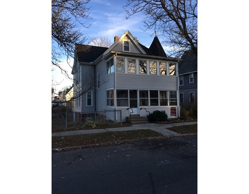 Многосемейный дом для того Продажа на 130 Nonotuck Street 130 Nonotuck Street Holyoke, Массачусетс 01040 Соединенные Штаты