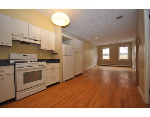 Частный односемейный дом для того Аренда на 17 Cordis 17 Cordis Boston, Массачусетс 02129 Соединенные Штаты